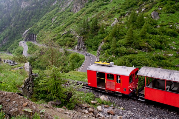 Furka Pass Train / Поезд на перевале Фурка