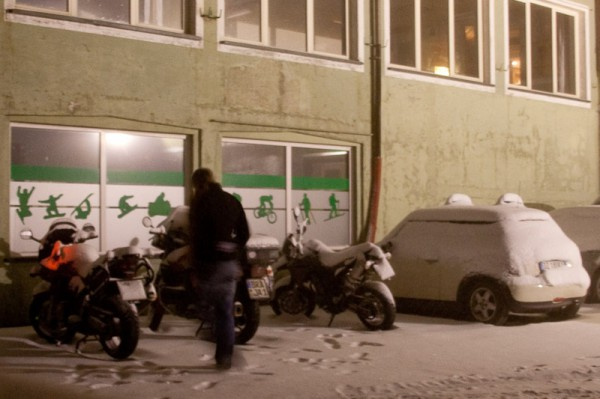 Bikers and MINI on Stelvio Pass