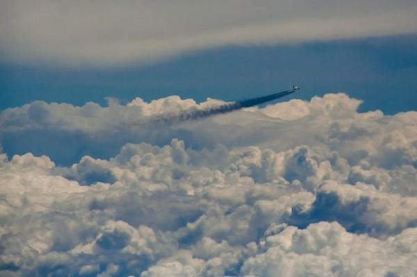 Самолёт в небе / Airplane Crossing Sky