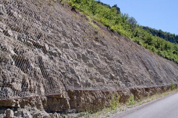 14-millau-viaduct-anti-stone-falling-measures