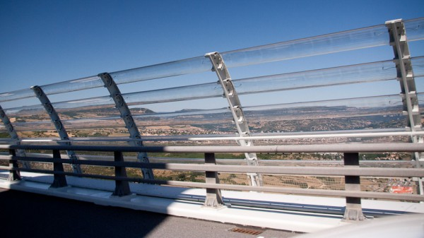 23-millau-viaduct-protective-fence