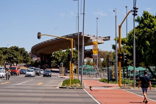 Незаконченый мост в Кейптауне